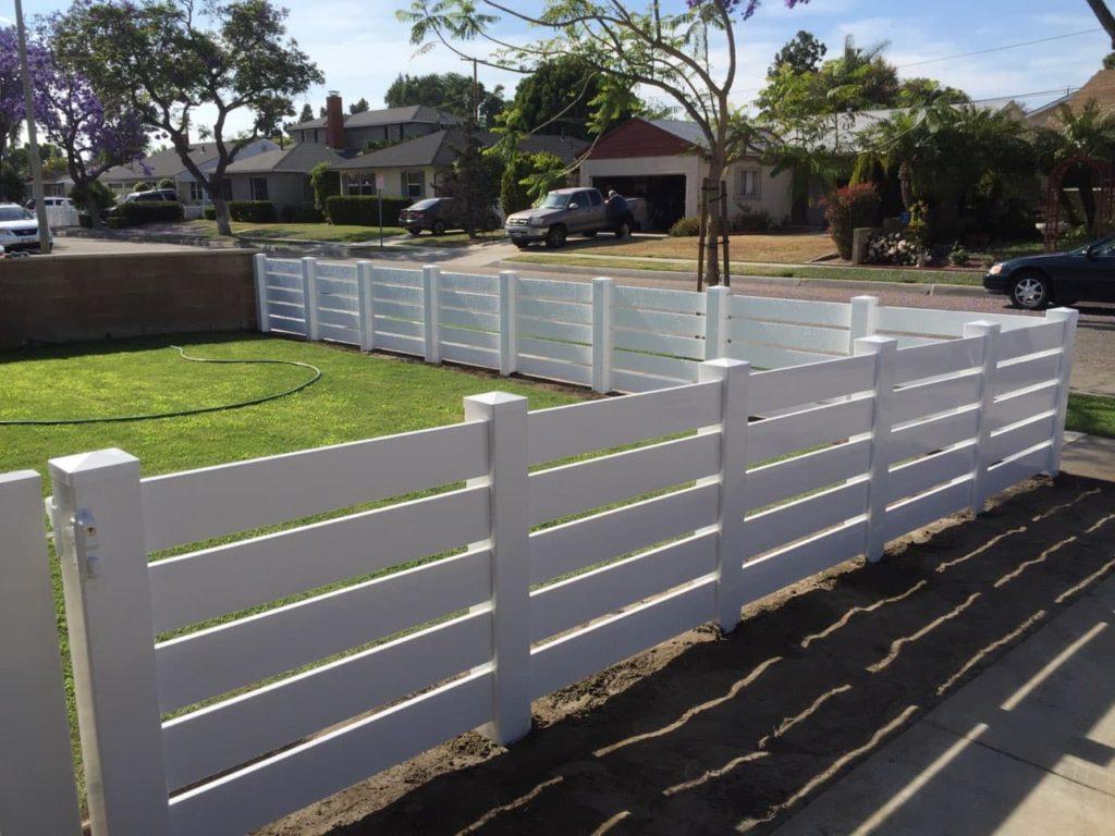 vinyl fencing La Verne
